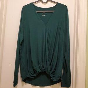 Green V-neck Long sleeves top
